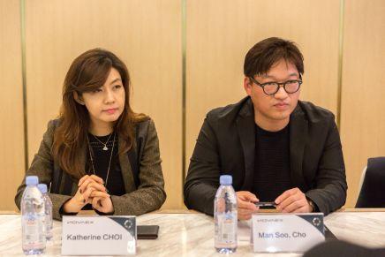 首尔科学综合研究生院(aSSIST)教授 Katherine CHOI(左)与韩国职业电竞协会(KeSPA)秘书长Man Soo,Cho(右)