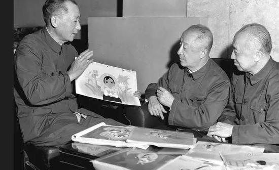 万籁鸣(中)、万古蟾(右)、万超尘(左)三兄弟分别是新中国动画片、剪纸片、木偶片的奠基人
