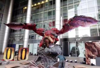 2015年 为日本Capcom和中国腾讯制作9米长雄火龙雕塑,并于上海世博馆首次亮相Capcom社长辻本春弘盛赞,这是他见过的最好火龙雕塑