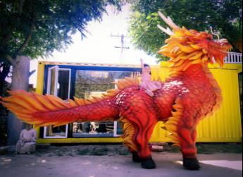 中国第一个能大型独立四足行走的雕塑作品《午马·麟行》,于2016年在北京中华世纪坛举办的MakeFaire上出场亮相