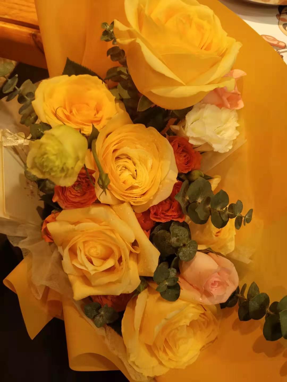 春节假期遇上2·14 玫瑰花涨到5元一枝