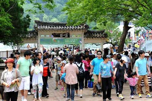 韩媒:2016年韩国人赴海外旅游对中国投诉最多