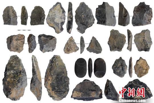 图为玉米洞遗址出土的部分石制品。重庆考古供图