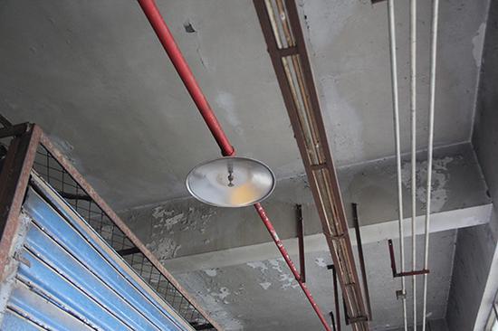 △云阳县柏杨湾综合市场整改后电线整齐规范。 消防部门供图