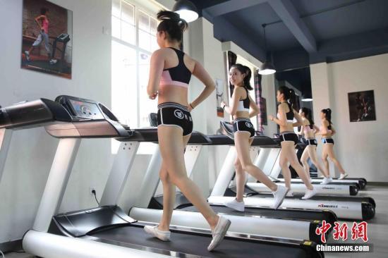 有氧运动能够更高效的减脂。 钟欣 摄