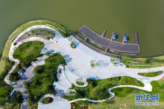 两江协同创新区目前已集聚20多家国内外高校设立的新型研发机构。新华网发(张坤琨 摄)