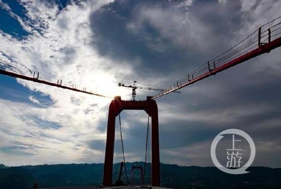 重庆最高桥即将揭开神秘的面纱。