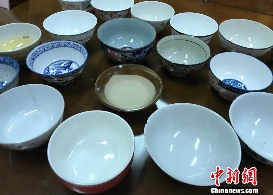 图为本次检测的陶瓷碗。 韩璐 摄