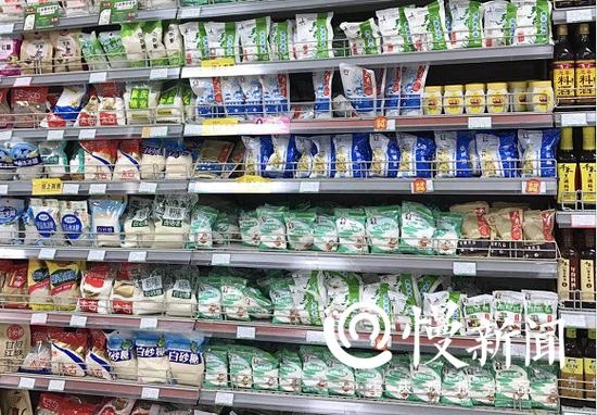 超市里的各种食盐均含有亚铁氰化钾