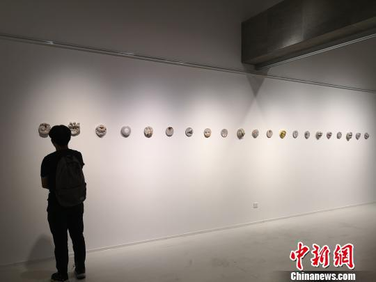 图为展览现场。 刘贤 摄