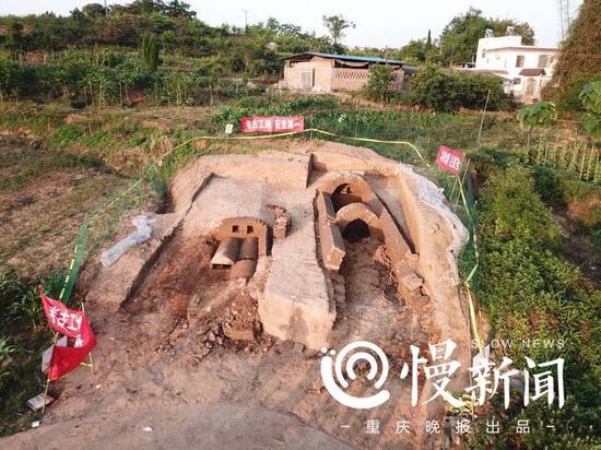 葬墓群考古现场