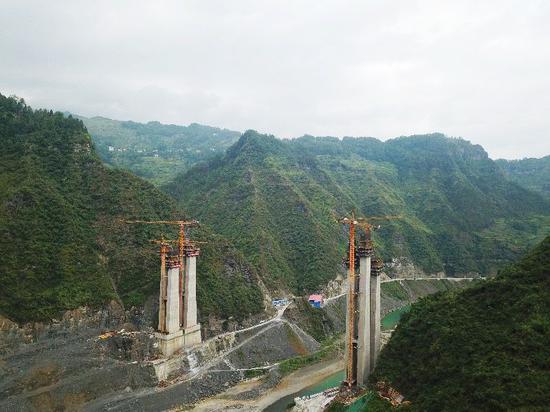 郁江河特大桥