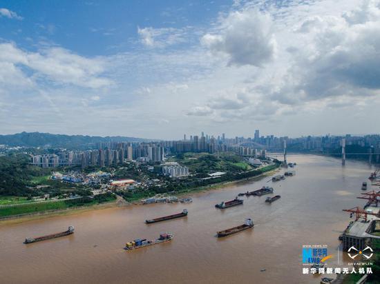 长江重庆段将修建过江隧道。新华网 李相博 摄