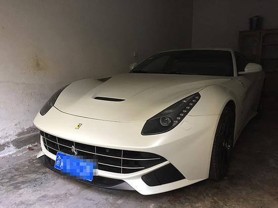 奉先生购买的法拉利 澎湃新闻记者 王鑫 图