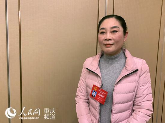 重庆市人大代表、渝北区人大常委会副主任唐丽华。刘政宁 摄
