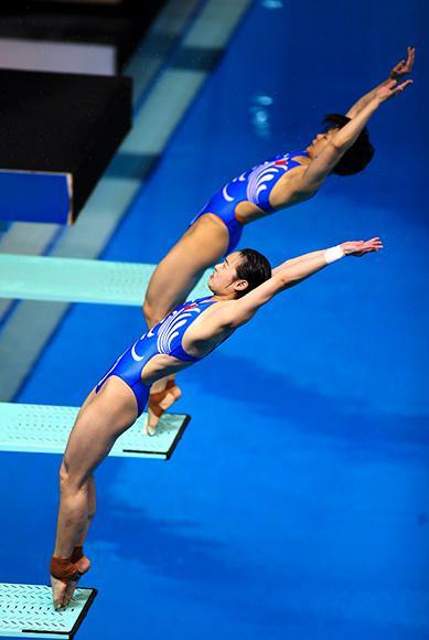 两人在比赛中。图片来源视觉中国
