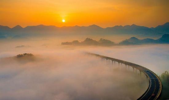 周家山大桥是摄影者的胜地