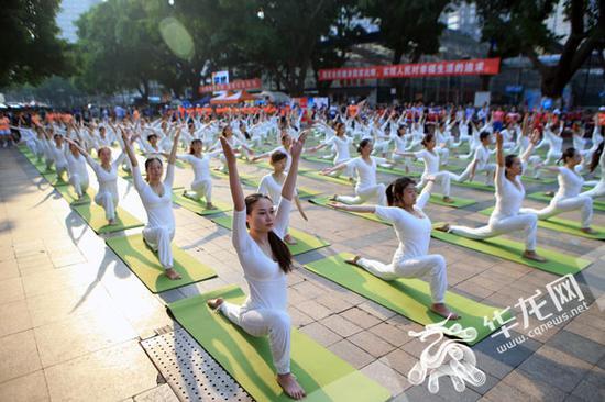 展演类项目健身瑜伽表演。记者 李文科 摄