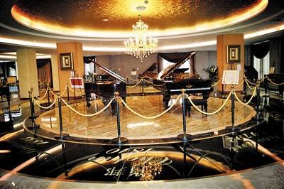 多架世界名家弹奏过的古董钢琴将参展。文博会组委会供图