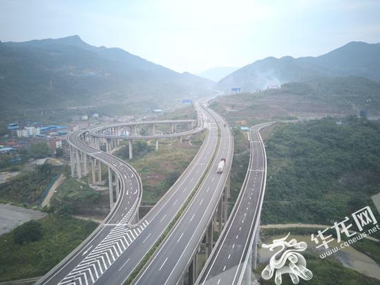 南道高速重庆段通车。资料图