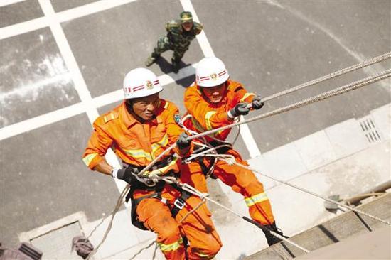 消防官兵日常训练
