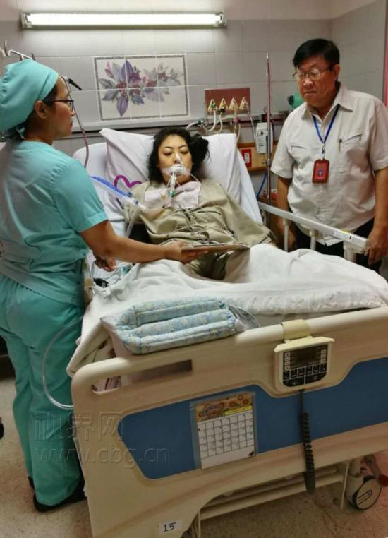 江丹在泰国治疗