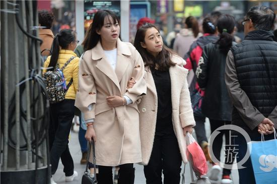 市气象台预计,未来三天重庆以阴天有间断小雨为主,全市最高温不超15℃。