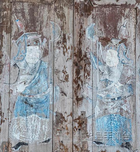 堂屋大门上的彩绘