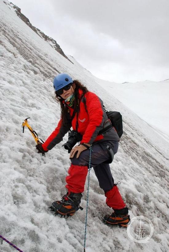 △2010年,陈旻攀登位于新疆的中国一号冰川。