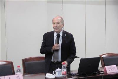 世界温泉与气候养生联合会副主席古尔纳·乔瓦尼