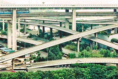 △菜园坝立交桥的错综复杂