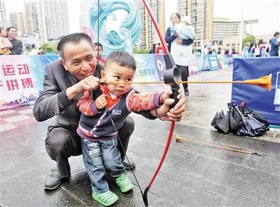参与健身的市民越来越多。 上游新闻记者 高科 摄