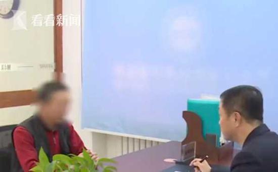听了律师的建议,老张已经决定,到公安机关报案,并到人民法院提起诉讼。
