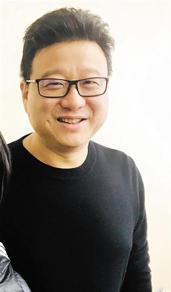 全国政协委员丁磊。