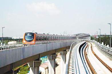 2010年8月,轨道交通房山线正在空载试运行