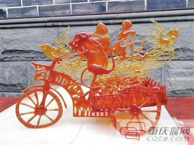 刘贵兵自创的 3D糖画。