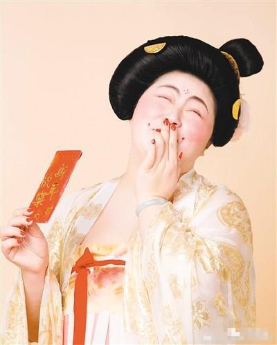 唐代瓷器婚纱照_婚纱 婚纱照 400_499 竖版 竖屏