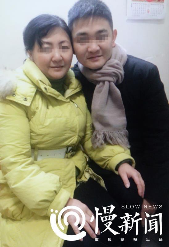 朱晓娟与刘金心拍了张合照