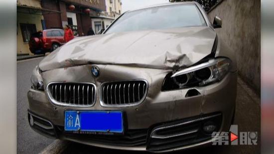 一位曾经在此地发生过车祸的市民表示,自己和谭女士的遭遇是一样的。