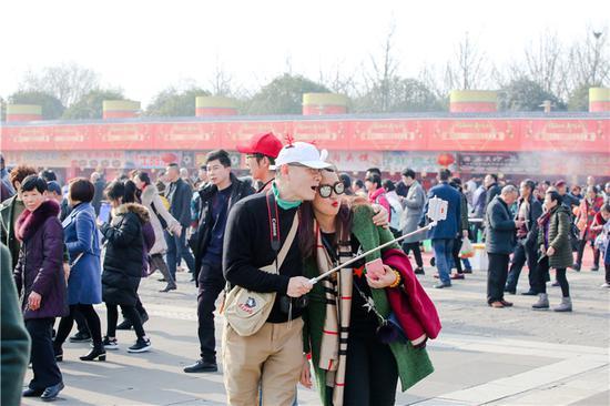 春节最火旅游目的地崭露头角!2天10多万人到园博园玩
