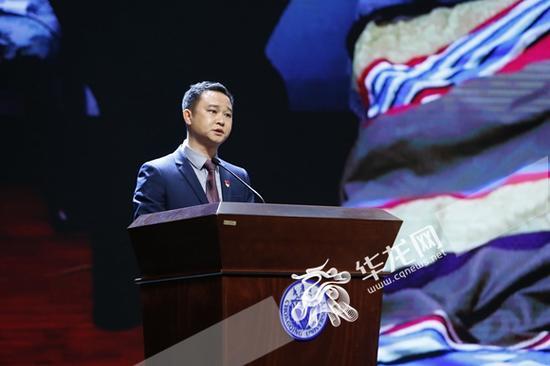 菊康丽农业综合开发有限责任公司总经理简义相。记者 石涛 摄