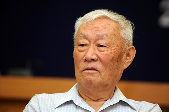 著名经济学家周叔莲