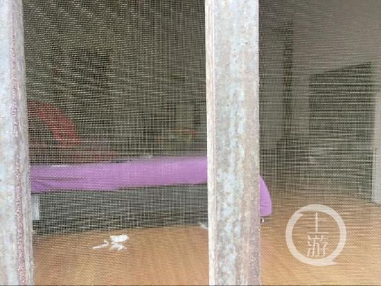 凶手李某租住的房屋阳台和客厅。