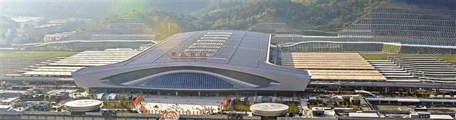 一月十一日,重庆西站外景。