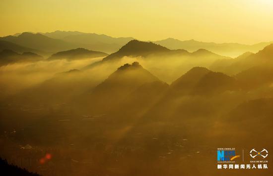 大美视角!重庆金银山国家森林公园晨雾之光(图)