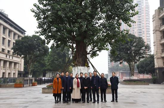 重庆市巴蜀中学校与重庆市江北中学校携手共建签字仪式暨高三年级教学