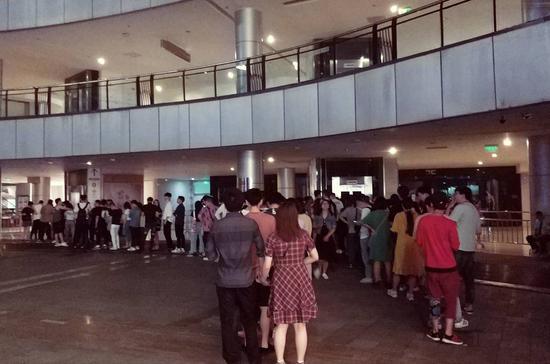 现场打探:重庆《复联4》零点首映到底有多火?
