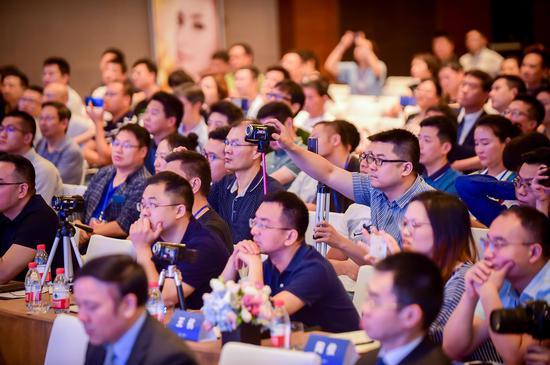 中美500位医师齐聚