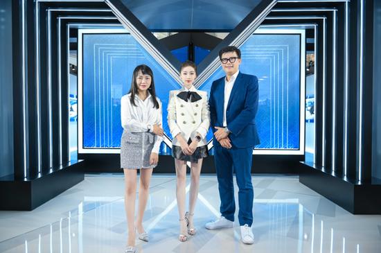 万宝龙M_Gram印花风潮登陆成都 品牌挚友吴谨言演绎潮流型格