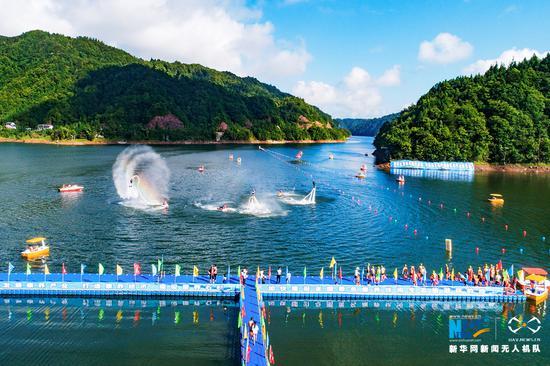 航拍重庆公开水域游泳赛